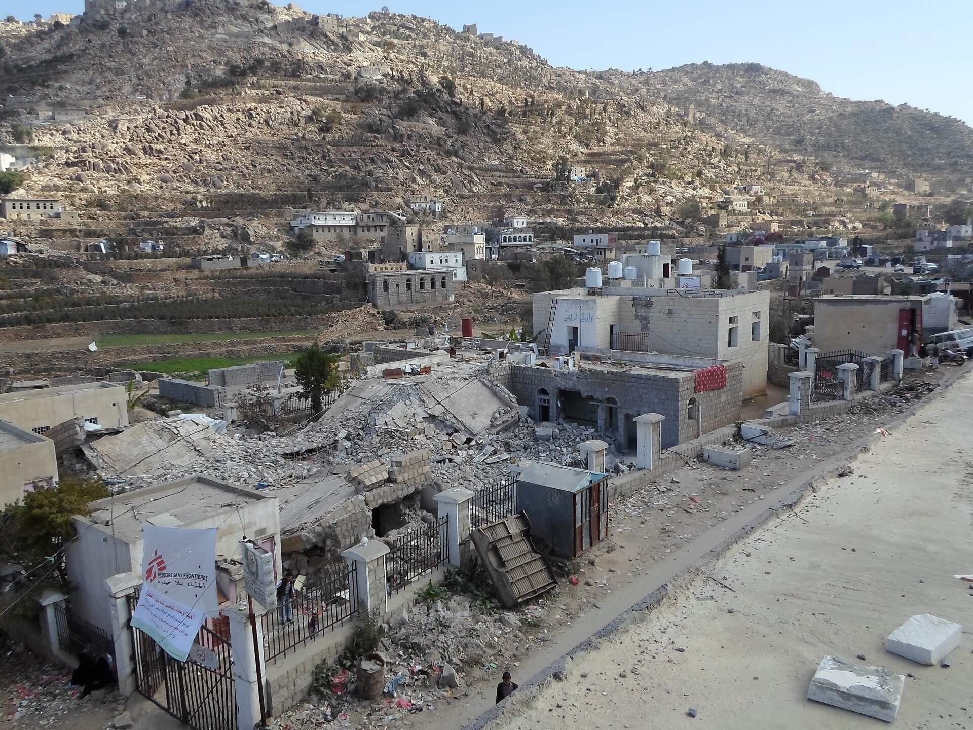 O hospital Shiara, uma instalação apoiada por MSF no distrito de Razeh (Yemen do Norte), foi atingido por um projétil no norte do Iêmen em 10 de janeiro